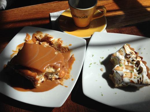 Milhojas (links) sind was ganz besonderes, aber Zitronenkuchen (rechts) auch... Villa deL eyva, Kolumbien (Foto Jörg Schwarz)