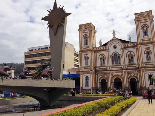 Denkmal für die indigenen Muisca, die sich bei Ankunft der Spanier allesamt das Leben nahmen, Sogamoso, Kolumbien (Foto Jörg Schwarz)