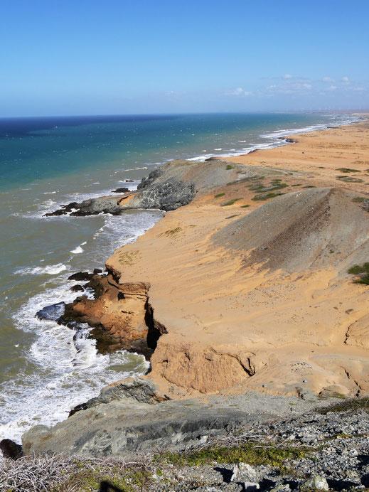 Atemberaubende Steilküsten bei Cabo de la Vela, Guajira-Halbinsel, Kolumbien (Foto Jörg Schwarz)