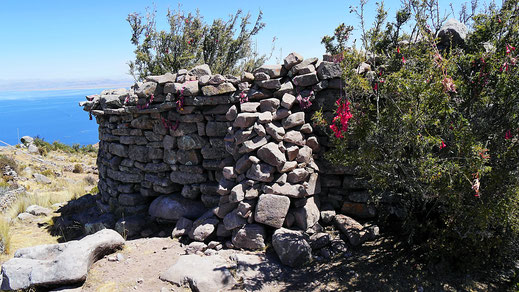 Die Inkaruine auf Capachica etwa 4.000 m, Santa Maria, Capachica, Peru (Foto Jörg Schwarz)