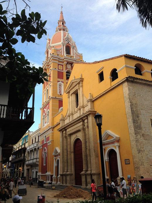 Alte Kirchen begeistern im gesamten Stadtgebiet, Cartagena, Kolumbien (Foto Jörg Schwarz)