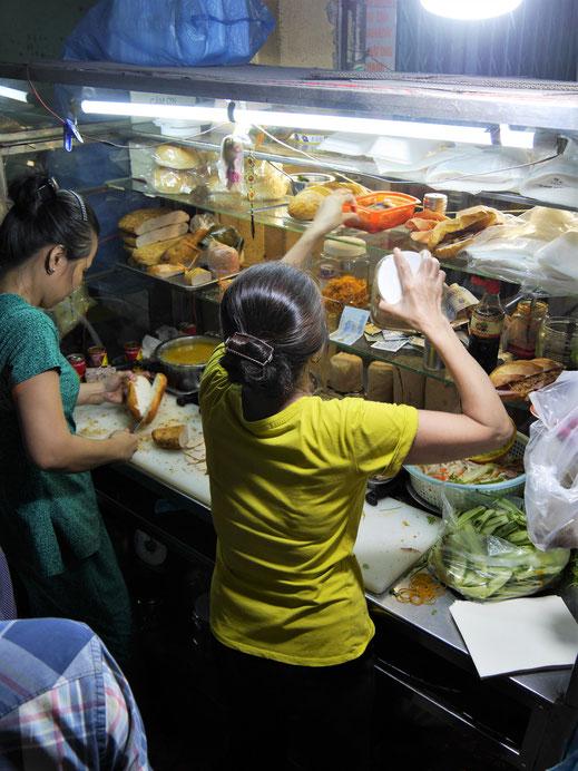Unser Gericht Nr. 3: Der aktuelle Foodtrend, ein typisch vietnamesisches Baguette, Ho-Chi-Minh-Stadt, Vietnam (Foto Jörg Schwarz)