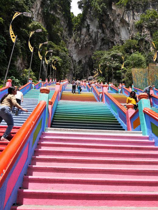 Schon der Aufstieg ist imposant, Kuala Lumpur, Malaysia (Foto Jörg Schwarz)