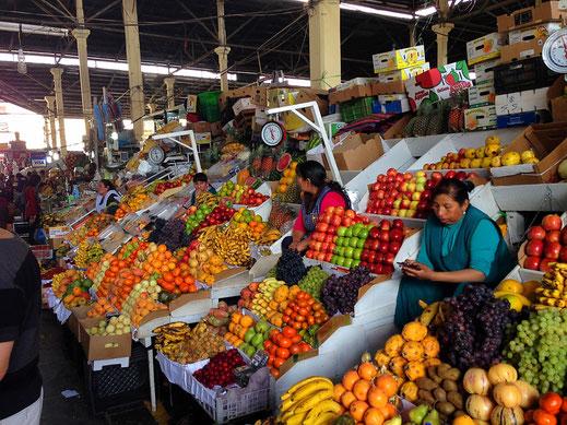 Auf dem wunderbaren Mercado - Markt, Cusco, Peru (Foto Jörg Schwarz)
