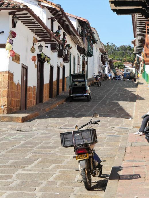 Es geht stets ruhig und gelassen zu in Barichara, Kolumbien (Foto Jörg Schwarz)