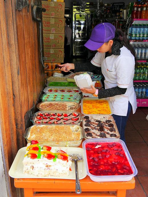 Nur eine von vielen Auslagen in Iza - Süßigkeiten satt, Lago de Tota, Kolumbien (Foto Jörg Schwarz)