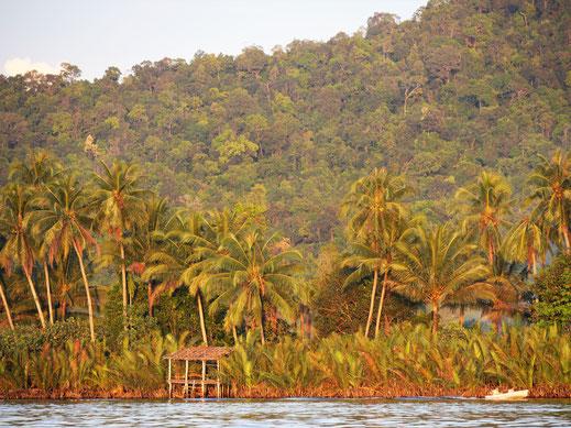Alles erstrahlt in Orange... Preat-Fluss, Kambodscha (Foto Jörg Schwarz)