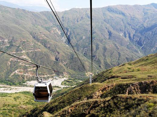 Es ist möglich die gesamte Schlucht mit der Seilbahn abzufahren - Spektakulär! NP Chicamocha, Kolumbien (Foto Jörg Schwarz)