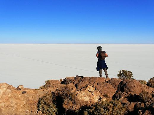 Der Blick von der Spitze der Kakteeninsel auf den See ist atemberaubend... Salar de Uyuni, Bolivien (Foto Jörg Schwarz)