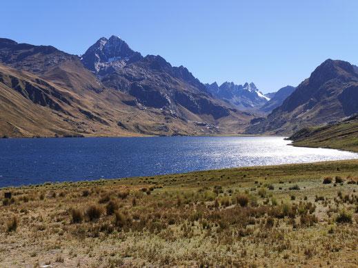 Die wunderschöne Laguna Querococha, Cordillera Blanca, Peru (Foto Jörg Schwarz)