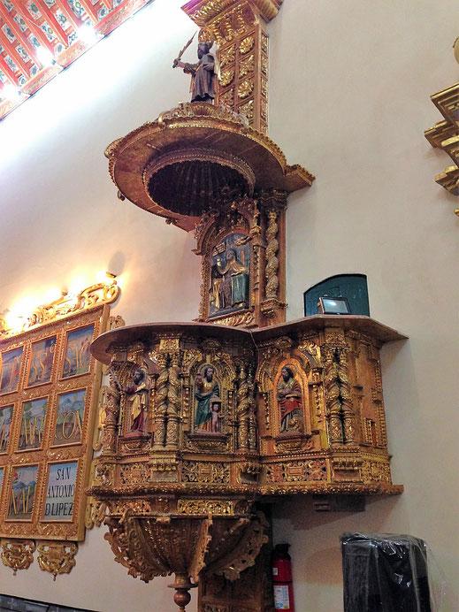 Auch die Kanzel der Kapelle im Kloster ist reich geschmückt, Potosí, Bolivien (Foto Jörg Schwarz)