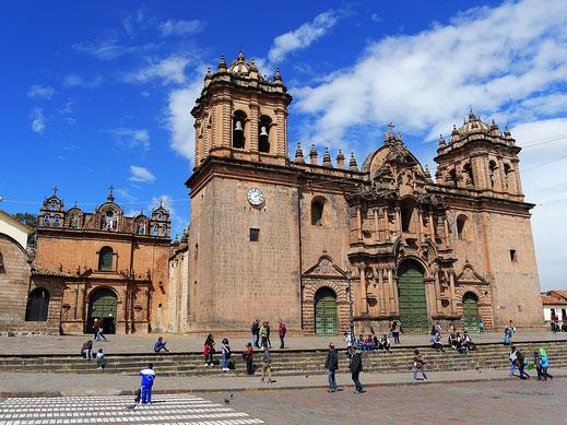 La Cathedral de Cusco und links daneben die Iglesia de Jesús María, Cusco, Peru (Foto Jörg Schwarz)