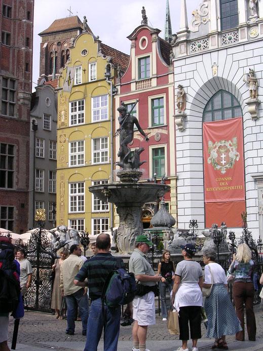 Der Neptunbrunnen im Herzen der Stadt (Foto Jörg Schwarz)