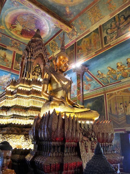 Der Sitzende Goldene Buddha des Preah Vihear, Wat Phom, Phnom Penh, Kambodscha (Foto Jörg Schwarz)