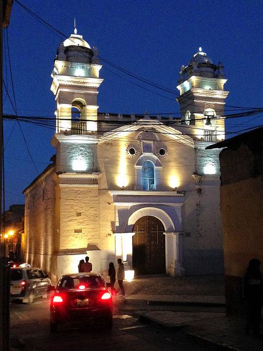 Eine von unzähligen alten Kirchen der Stadt, Ayacucho, Peru (Foto Jörg Schwarz)