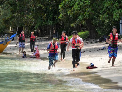 Hilfe, jetzt aber schnell weg hier... Natürlich gönnen wir jedem hier zu sein!  Pulau Perhentian Besar, Malaysia (Foto Jörg Schwarz)