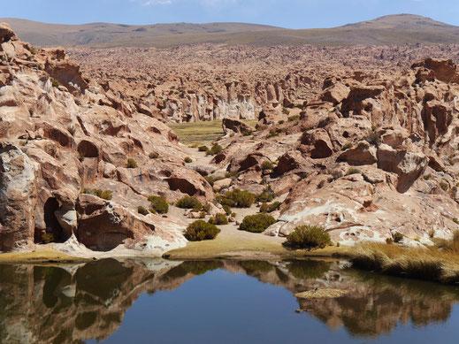 Die schwarze Lagune, Reserva Nacional de Fauna Andina Eduardo Avaroa, Bolivien (Foto Jörg Schwarz)