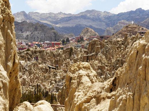 Diese Landschaftsformation ist schon sehr imposant - und ganz stadtnah... Bei La Paz, Bolivien (Foto Jörg Schwarz)