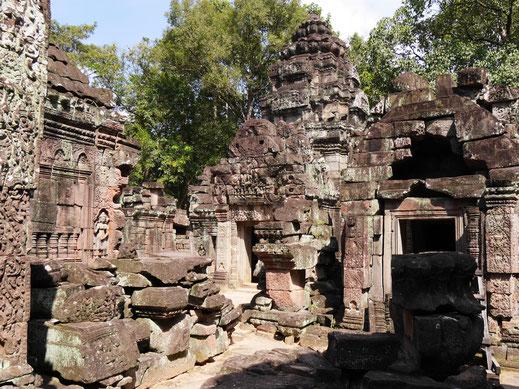 Auch dieser Tempel ist ein Schmuckstück und liegt umrahmt von großen Bäumen... Ta Som, Kambodscha (Foto Jörg Schwarz)