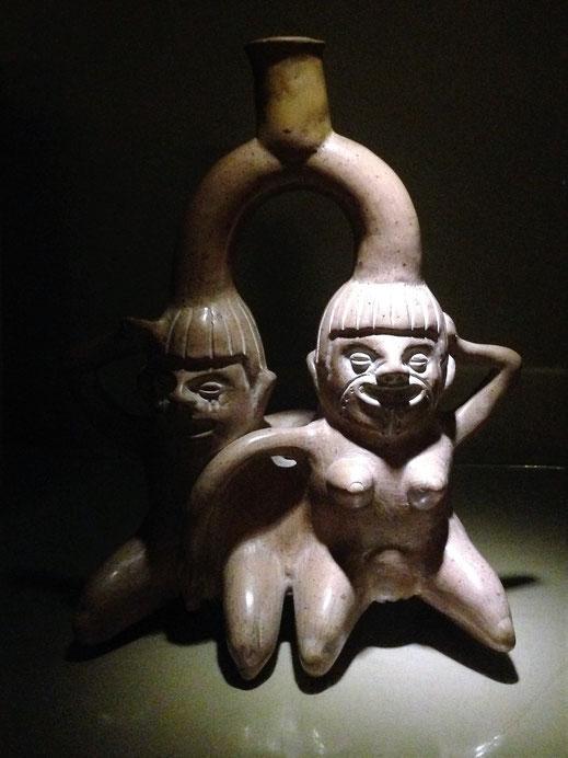 Keramiken langweilig? Wer sagt denn sowas? Erotische Kunst, Lima, Peru(Foto Jörg Schwarz)