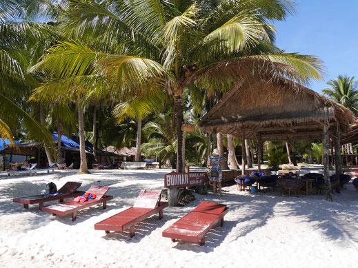 Es geht ruhig und lässig zu auf dem Coconut-Beach, Koh Rong, Kambodscha (Foto Jörg Schwarz)