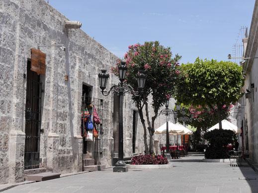 Die typischen sillar-Steine wurden vielfach für den Hausbau verwendet, Arequipa, Peru (Foto Jörg Schwarz)