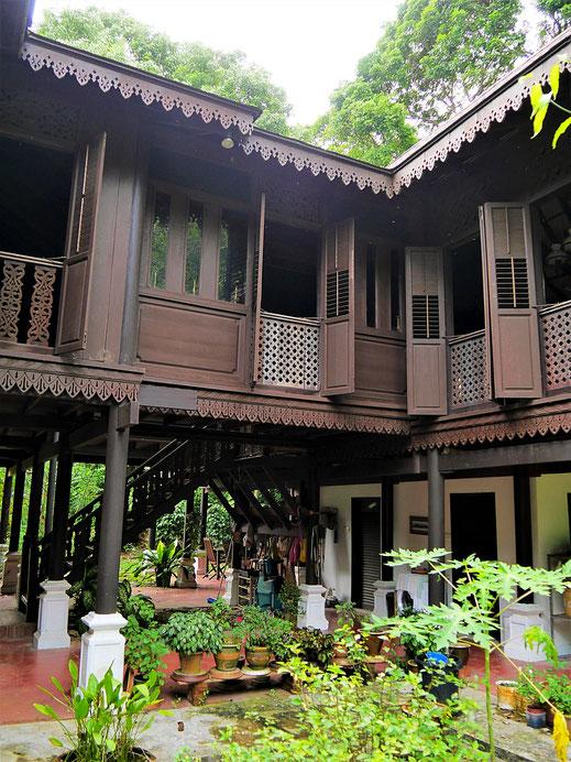 An den Stil eines malaiischen traditionellen Holzhauses angelehnt... Langkawi, Malaysia (Foto Jörg Schwarz)