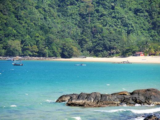 Wunderbare Farben und ein optischer Traum: Juara Beach, Pulau Tioman, Malaysia (Foto Jörg Schwarz)