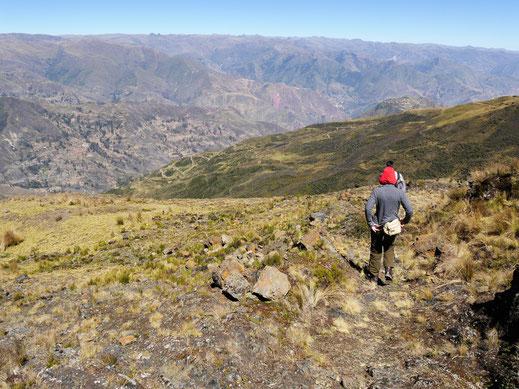 Auf der Strecke mit fantastischen Aussichten geht es bergab... Sorata, Bolivien (Foto Jörg Schwarz)