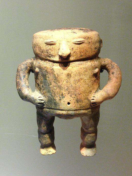 Deutlich älter ist dieses Objekt im Gold-Museum, Bogotá, Kolumbien (Foto Jörg Schwarz)