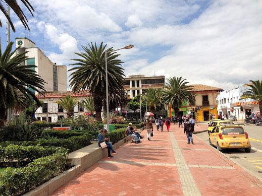 Auf der Plaza, Sogamoso, Kolumbien (Foto Jörg Schwarz)