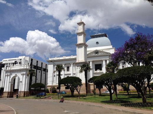 Prachtvolle weiße Architektur, Sucre, Bolivien (Foto Jörg Schwarz)