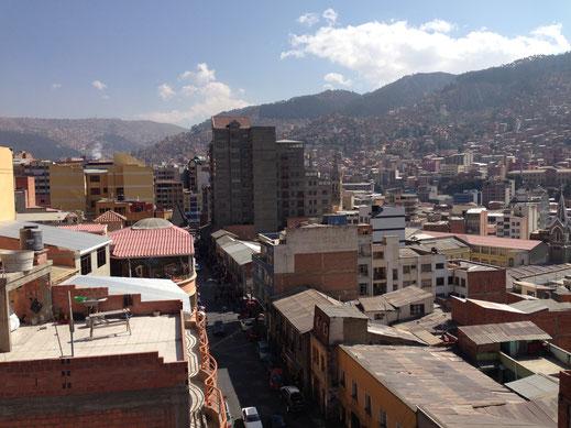 Blick von der Dachterasse unseres Hotels, La Paz Bolivien (Foto Jörg Schwarz)