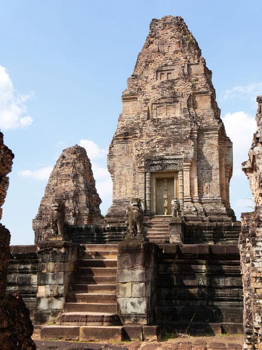 Sehr spitz zulaufende Türme... Östlicher Mebon, Kambodscha (Foto Jörg Schwarz)