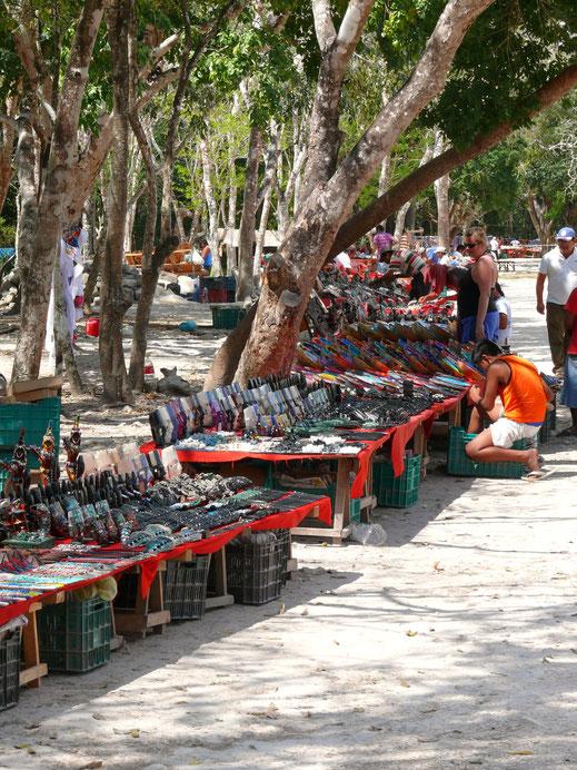 Kein Zweifel: Chitchén Itzá ist heute auch ein Massentourismusziel (Foto Jörg Schwarz)