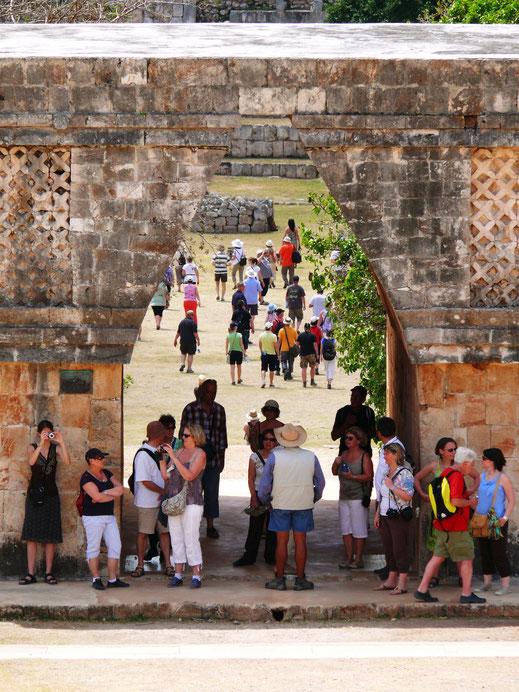 Der Eindruck täuscht: Trotz der guten Besucherzahlen verlieren sich Touristen in der wunderschönen Anlage zumeist (Foto Jörg Schwarz)