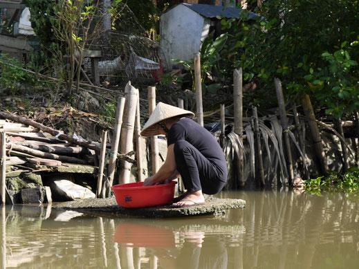 Entlang der Strecke immer wieder ähnliche Szenen... Can Tho, Vietnam (Foto Jörg Schwarz)