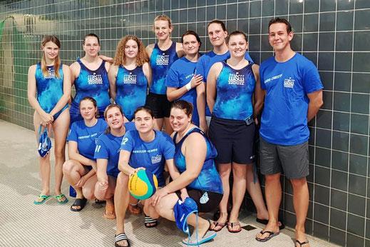 Team-Bild der WSW Wasserballerinnen