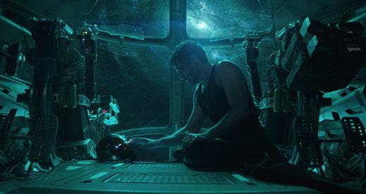 FANwerk Film Review Avengers Endgame Review Kritik Rezension Blog Iron Man Dies Captain America Thor Thanos Tony Stark in Space Rescue