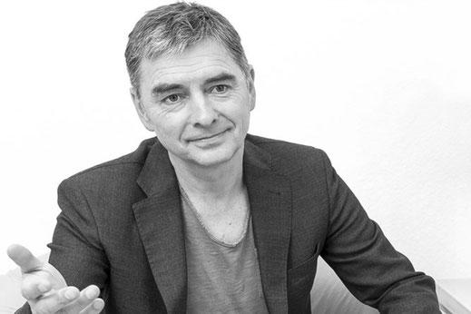 Burkhard Jutz Profilbild freundlich lächelnd
