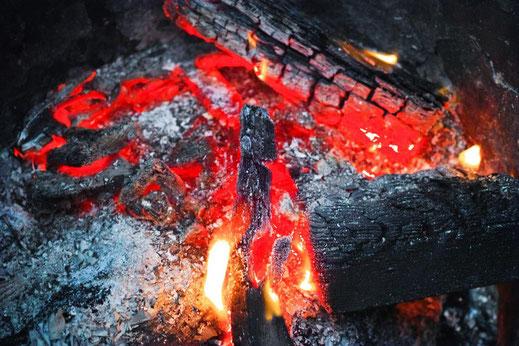 木炭の入れ過ぎは火力調整のご法度