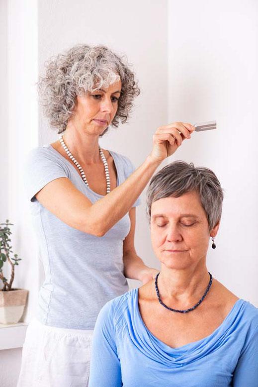 Klangtherapie mit Stimmgabeln, SURYANI, Niederrohrdorf