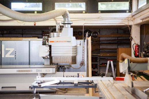 CNC Fräse Werkstatt Schreinerei Maschine jertz Mainz Holz Tischlerei modern Möbelbau