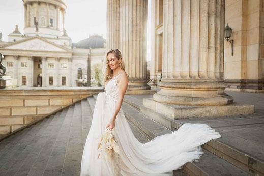 Hochzeitsfotos am Gendarmenmarkt in Berlin
