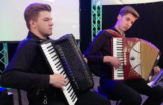 Akkordeon Duo Paul Unruh & Benjamin Straathmann