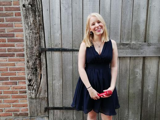 Sängerin Jessi Duhn bringt Balladen und Pop Songs mit
