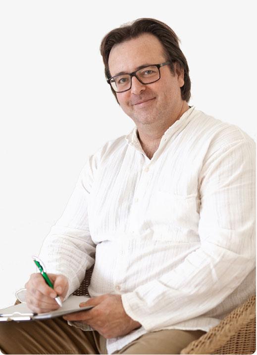 """Christian Oestreich ist zertifizierter """"Systemischer Personal Coach"""". Die Ausbildung erfolgte entsprechend den Richtlinien der European-Coaching-Association, ECA, Berufsverband für Coaches."""