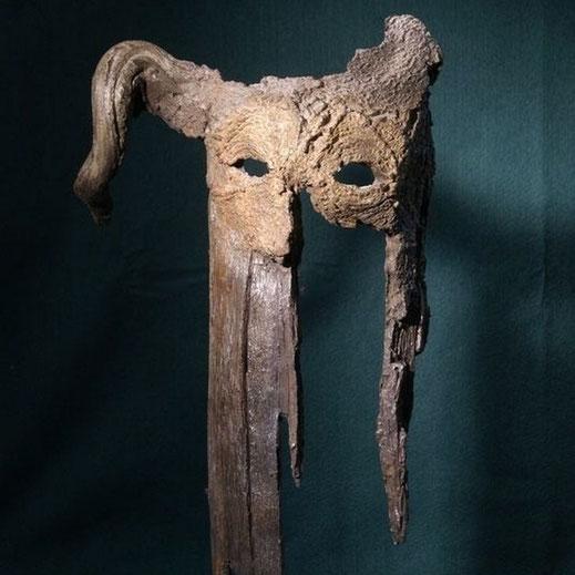 A partir de là tout est possible. Légende : « Les Sentinelles », bronze patiné 60 x 25 cm. Marcelo Carpaneto