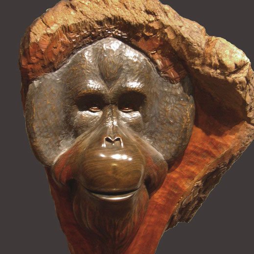 Légende : « Barbe-rousse », Cerisier 45/30 cm. Sculpture Jean-Paul Mestres