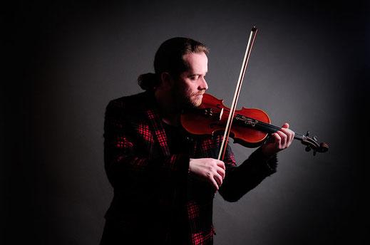 Violinist Shenoll Tokaj, Copyright Shenoll Tokaj 2020